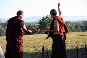 HE Dzigar Kongtrul Rinpoche bestows blessings.