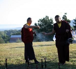 HE Dzigar Kongtrul Rinpoche bestowing blessings.