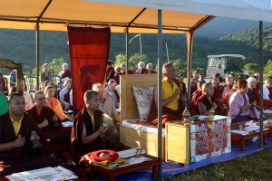 HE Dzigar Kongtrul with HE Jetsün Khandro Rinpoche, Minling Jetsün Dechen Paldrön, Ven. Acarya Namdrol Gyatso, and Umdze Ven. Thrinley Gyaltsen and Lotus Garden sangha members.