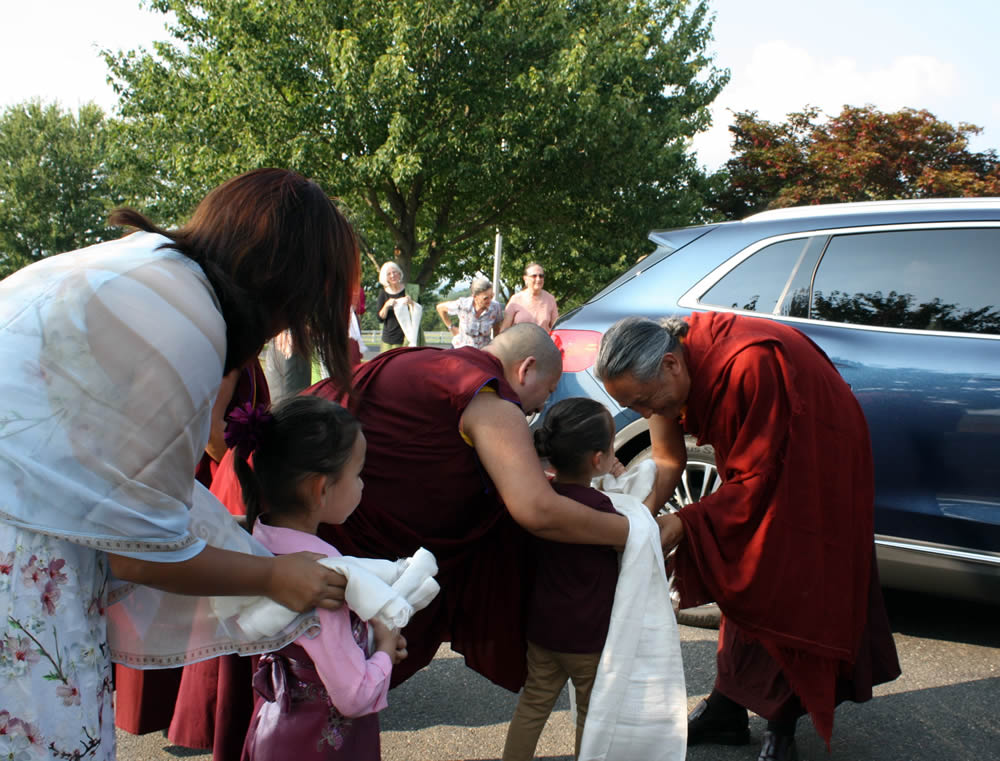 Dzigar Kongtrul Rinpoche arrives for the 2017 teachings at Lotus Garden