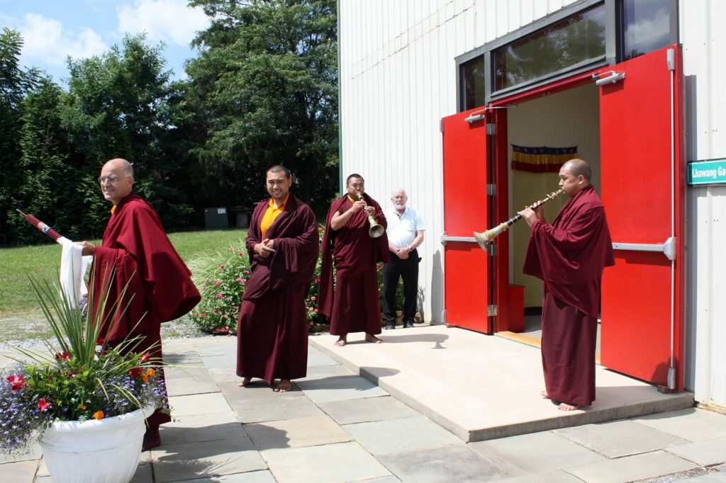 Welcomning Dungse Rinpoche
