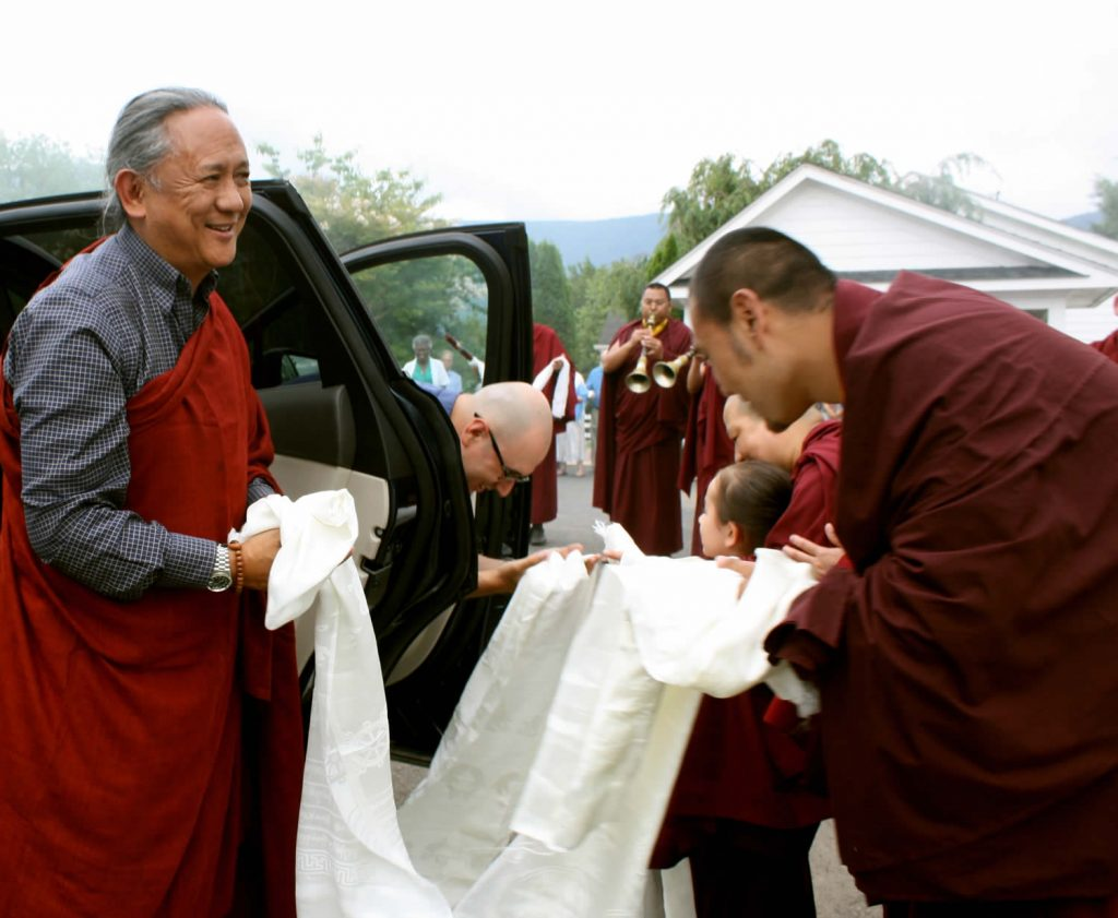 H.E. Dzigar Kongrul Rinpoche is welcomed by Ven. Choktrul Ngawang Jigdral Kunga Rinpoche