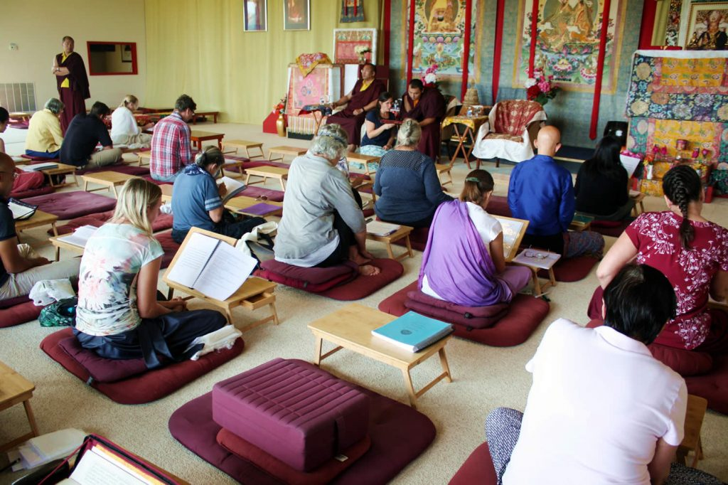 Ven. Choktrul Ngawang Jigdral Rinpoche, Ven. Khenpo Namdrol Gyatso and Ven. Lama Thrinley Gyaltsen and students on the final day of the Mindrol Lekshey