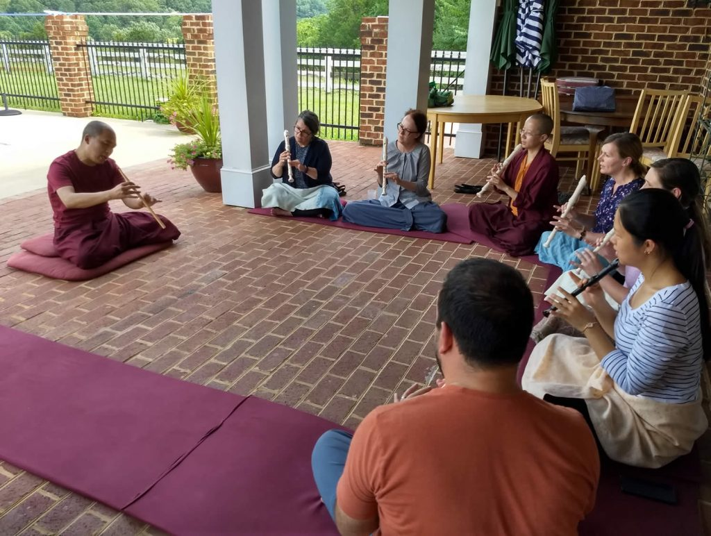 Ven. Lama Thrinley Gyaltsen and <em>gyaling</em> students