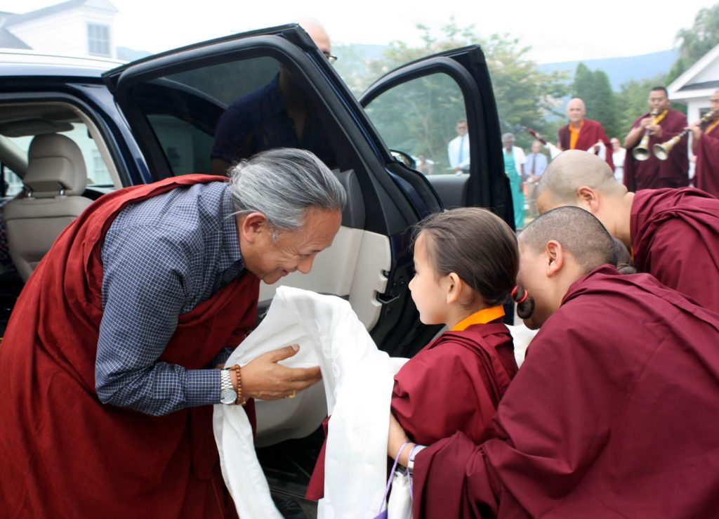 H.E. Dzigar Kongtrul Rinpoche is welcomed by Minling Jetsün Rinpoche