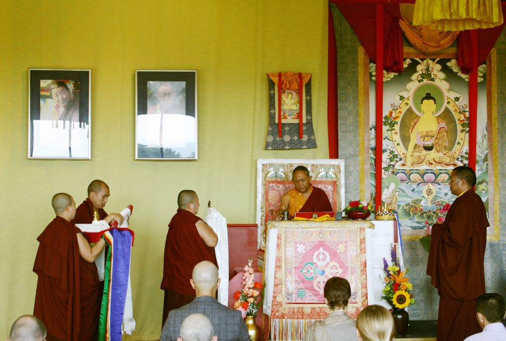 H.E. Jetsun Khandro Rinpoche makes the Body, Speech and Mind Offering