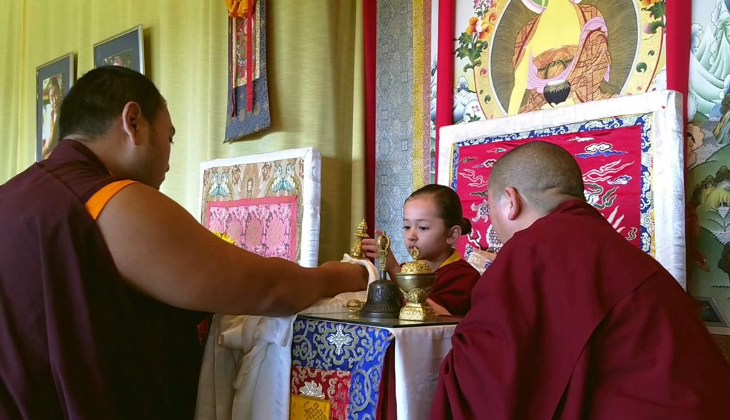Minling Dungse Rinpoche during the mandala offering