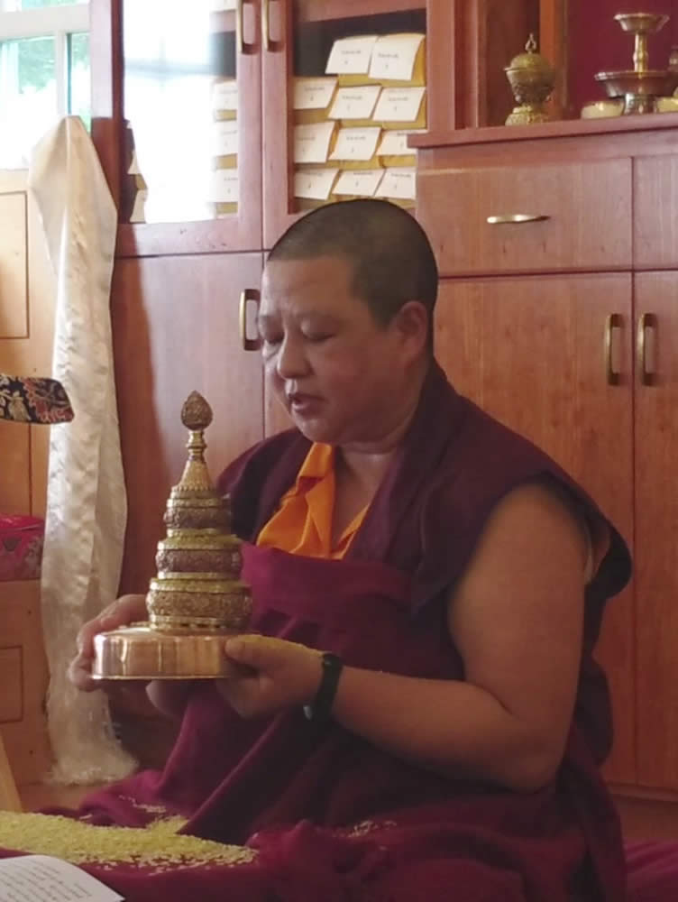 The Heart of the Vajrayana Path: Ngöndro Teachings - Chonyid Choedron demonstrates Mandala